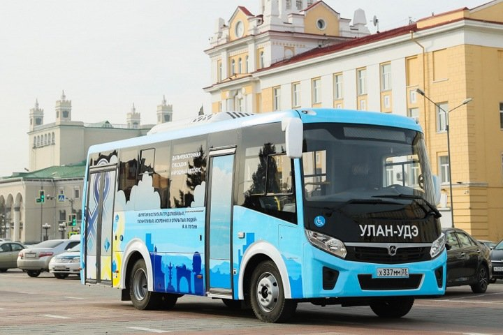 Еще один автобус с цитатами Путина заглох в Улан-Удэ