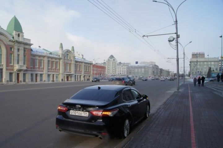 Депутаты обнаружили подозрительные схемы продаж машин мэрии Новосибирска