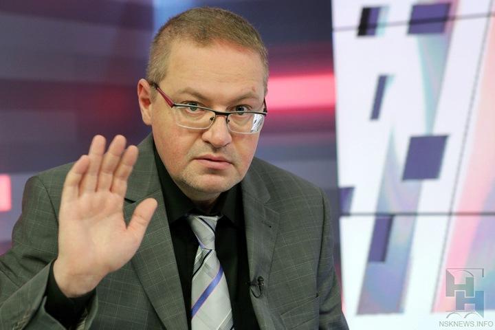Глава управления по жилищным вопросам мэрии Новосибирска попал под подозрение