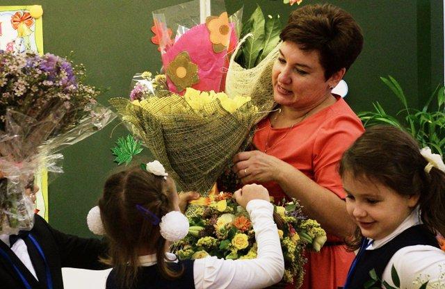 День учителя 2020: какого числа, традиции и поздравления
