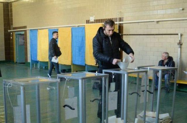 А там на огурчики. Как местные элиты на выборах разделят Украину