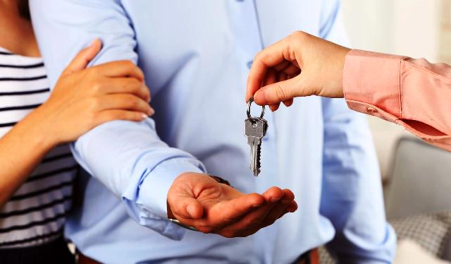 Аренда квартиры: сдать самому или через посредника