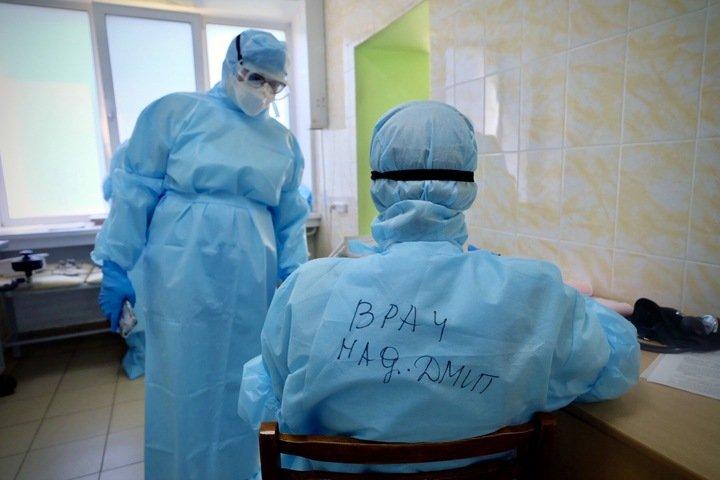 Рекордное число новосибирцев попали в больницы из-за коронавируса