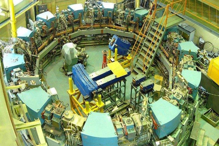 Новосибирские физики сделают ускоритель для синхротрона