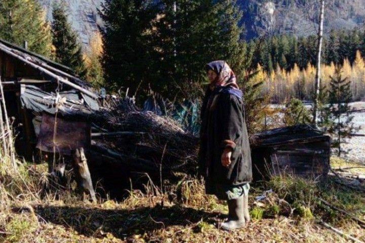 Дерипаска построит избу для таежной отшельницы Агафьи Лыковой