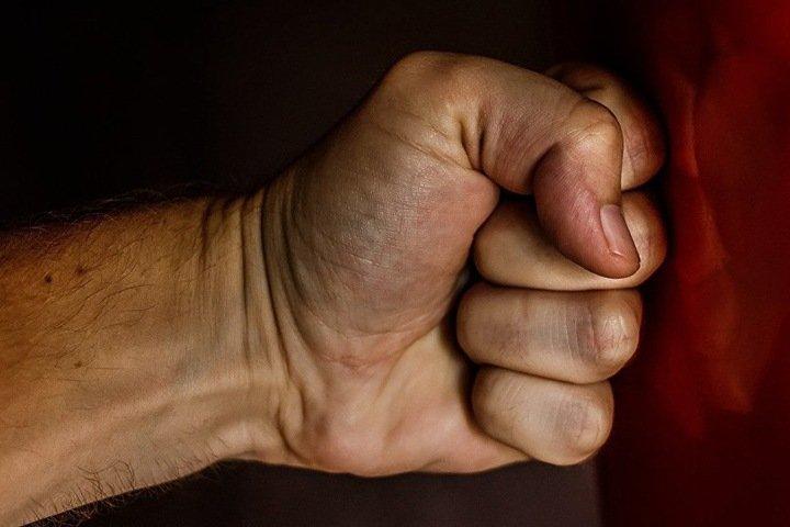 Читинский военный 11 раз ударил призывника за курение кальяна без разрешения