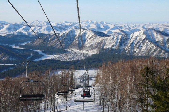 Туристы забронировали почти все места на базах Алтая к зимним праздникам