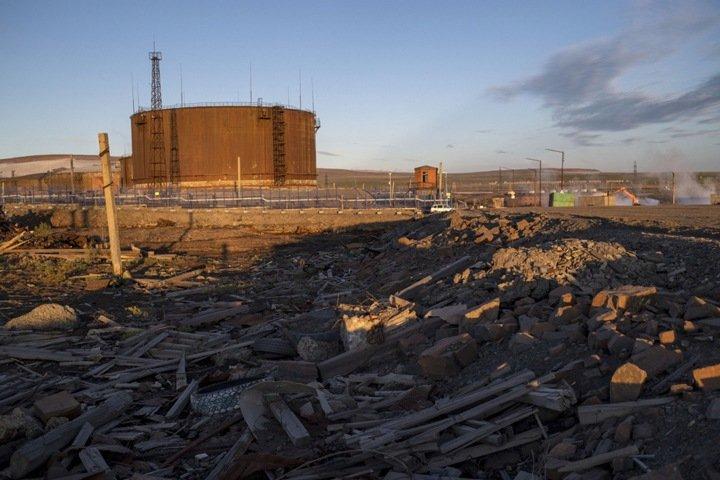 Ростехнадзор назвал причиной разлива нефти в Норильске нарушения при эксплуатации резервуара