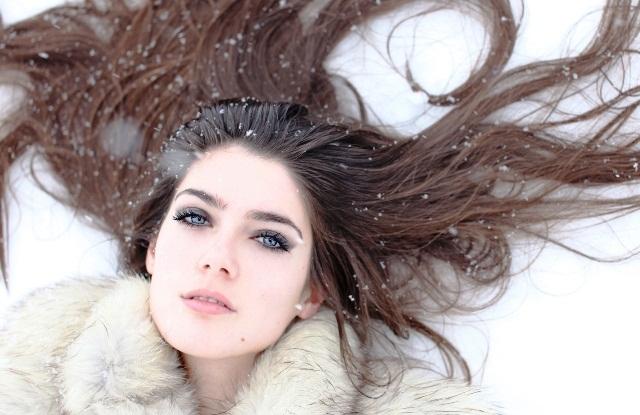Грязная голова. Почему зимой волосы быстро становятся жирными