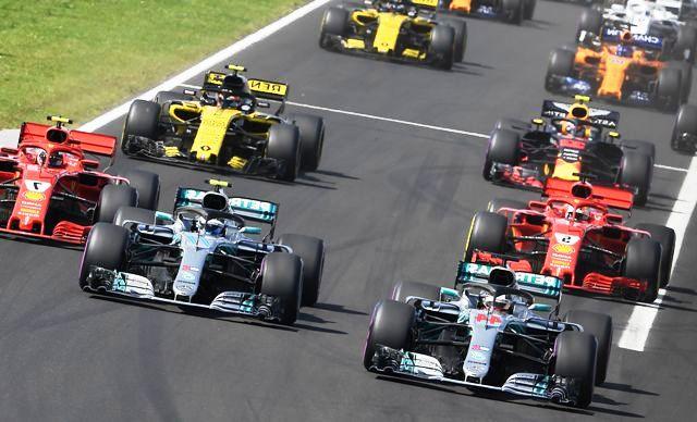 Автоподиум: 5 лучших гонщиков Формулы-1 уходящего сезона
