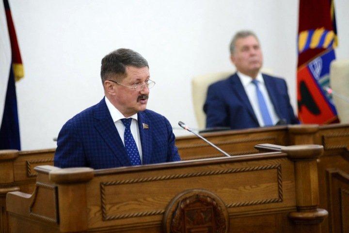 Поддержанный «ЕР» бизнес-омбудсмен отказался вступиться за алтайских предпринимателей