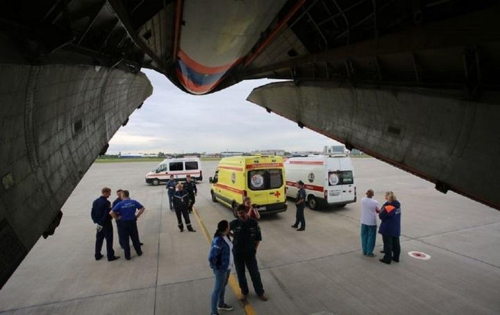 Искусанную напавшими собаками жительницу Улан-Удэ транспортируют в Москву