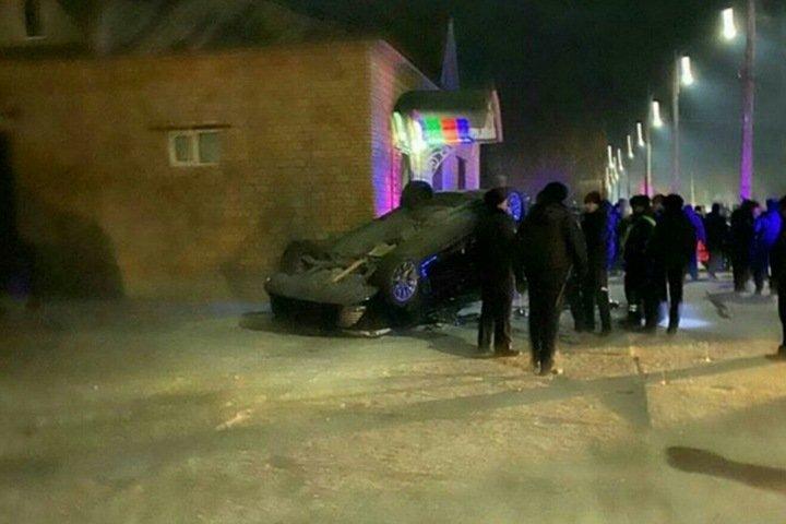 Массовая драка с перевернутым автомобилем произошла в военном городе Забайкалья