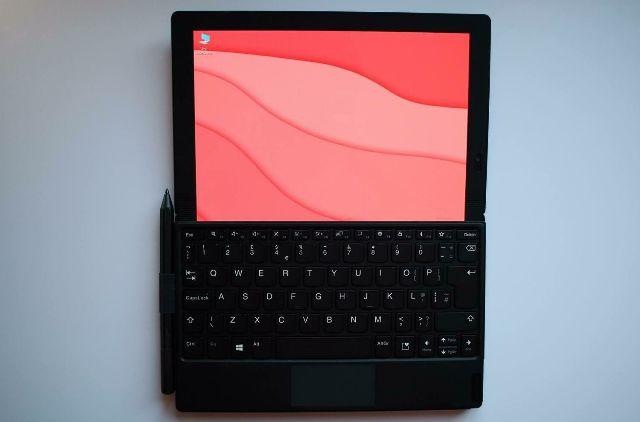 Lenovo ThinkPad X1 Fold: насколько хорош ноутбук с гибким дисплеем