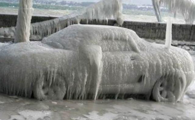 Стала колом: как быстро завести машину в сильный мороз