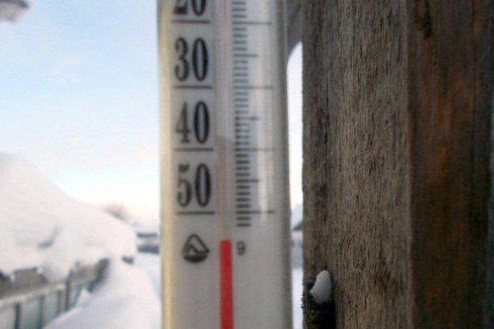До -60: иркутский губернатор попросил жителей не выходить из дома из-за морозов