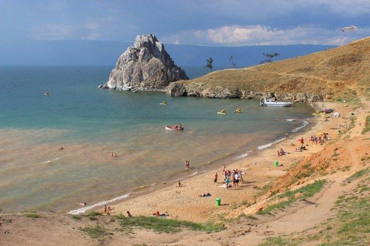 Связанные с «Ростехом» люди обложили «данью» посетителей Байкала