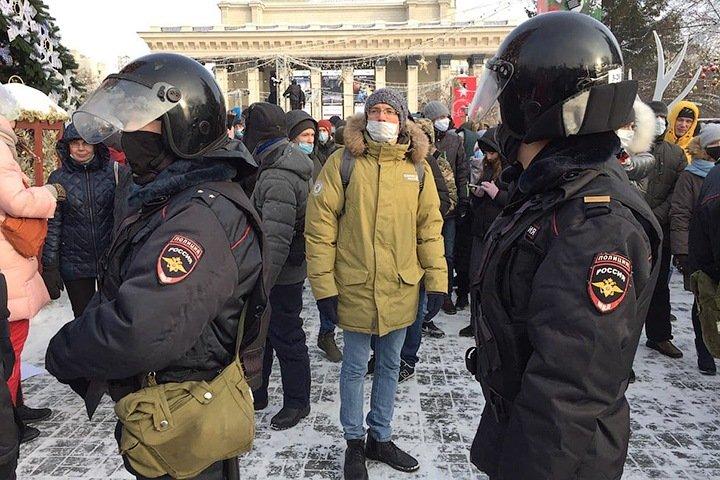 Как суды наказывали сибиряков за акцию в поддержку Навального: 20 тыс. за репост