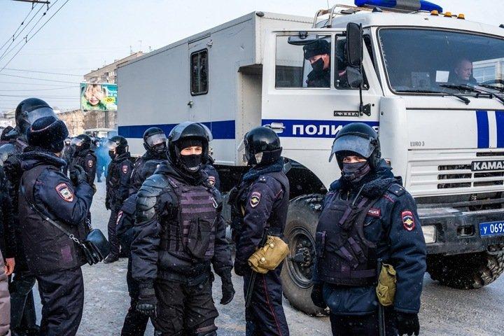 Кого и что использовали власти для борьбы с протестами в Сибири