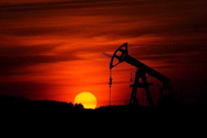 Почему нефть нам не помогает. Сказки современной России