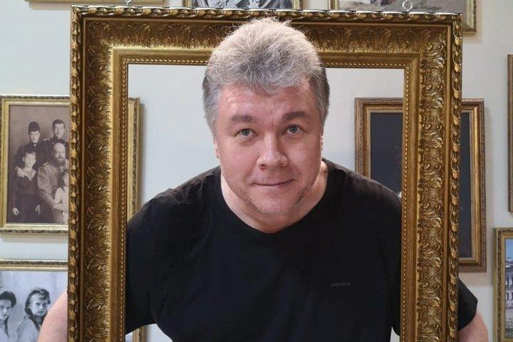 «Черный квадрат»: новосибирский писатель Виталий Серафимов о своей вакцинации от COVID-19