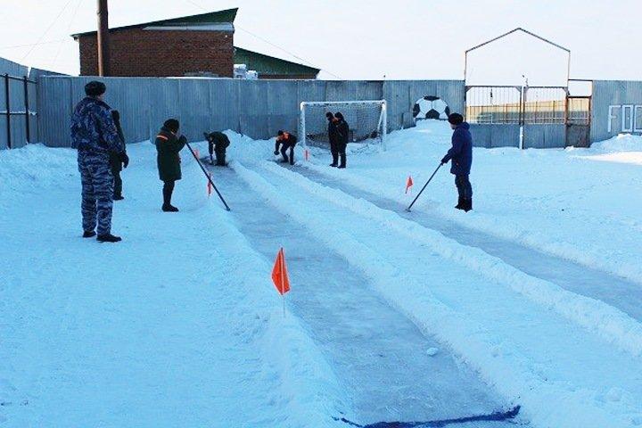 Новосибирская колония провела соревнования по керлингу