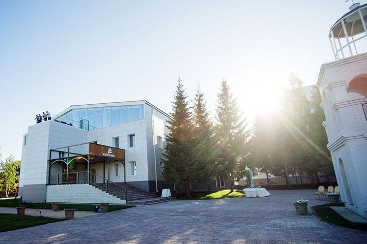 Власти отправили пенсионерок на лечение в новосибирский санаторий для переболевших COVID-19. Они умерли