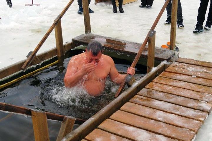 Новосибирское правительство попросило воздержаться от крещенских купаний