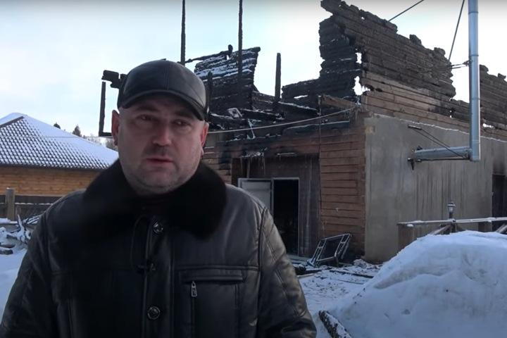 Загородный дом сгорел у соратника Анатолия Быкова в Красноярске. Хозяин уверен, что это был поджог