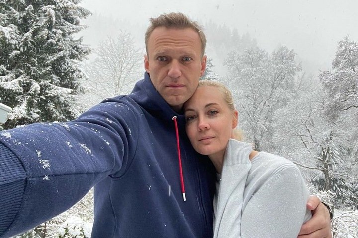 Алексей Навальный вернулся в Россию. Его задержали