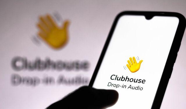 Украинцы и россияне осваивают новую социальную сеть Clubhouse
