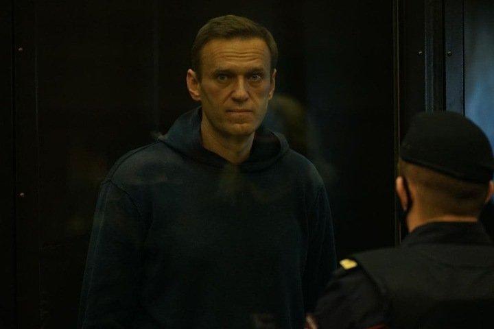 Алексея Навального отправляют в колонию: «Это демонстрация слабости»