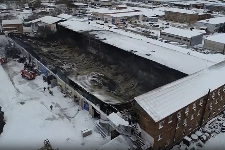 Двое работников склада автозапчастей в Красноярске задержаны после смертельного пожара
