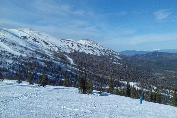 Турист из Москвы погиб на горнолыжном курорте в Кузбассе