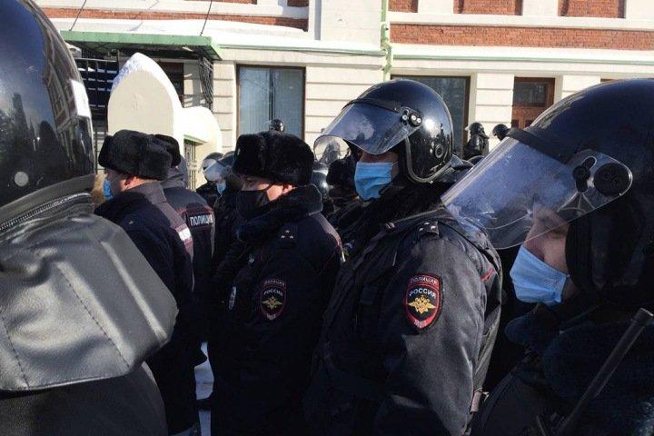 «Просто неосторожные ребята»: как сибирские силовики превзошли себя в жесткости задержаний