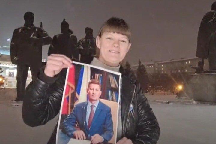 «Я молчать не буду»: жительницу Новосибирска задержали во время пикета в поддержку Фургала. Ей грозит СИЗО