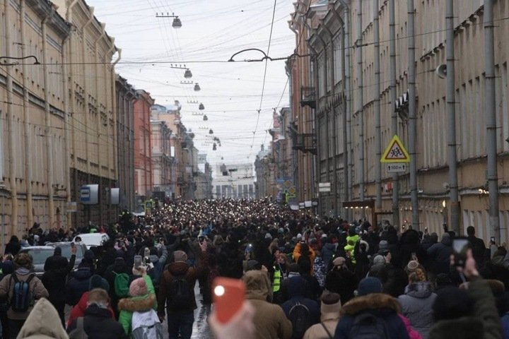 Страх перемен: Мазур о будущем протестов и власти Путина