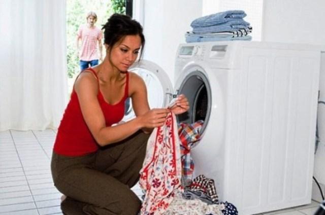 Почему нельзя стирать вместе обычные вещи и полотенца