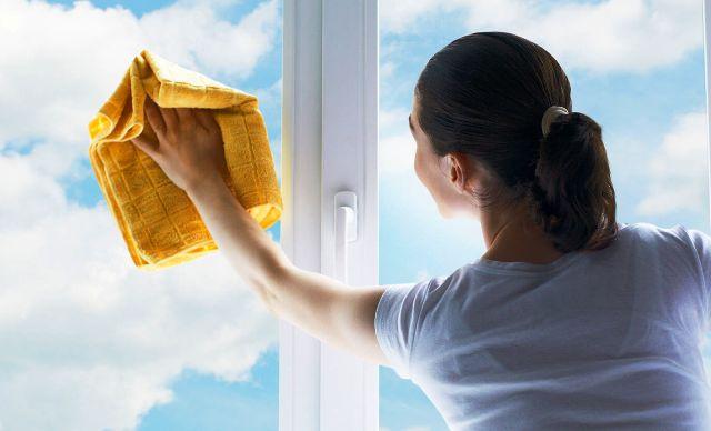 Чистое стекло: как просто и быстро вымыть окна