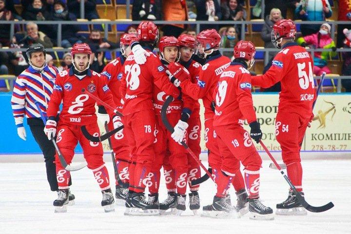 Красноярский «Енисей» стал чемпионом России по хоккею с мячом