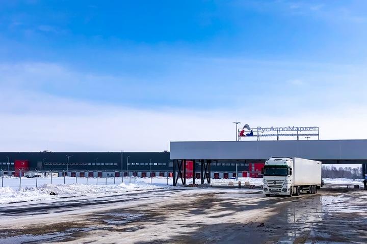 От «каблучка» и до фуры: как планирует работать оптово-распределительный центр «РусАгроМаркет» в Новосибирске
