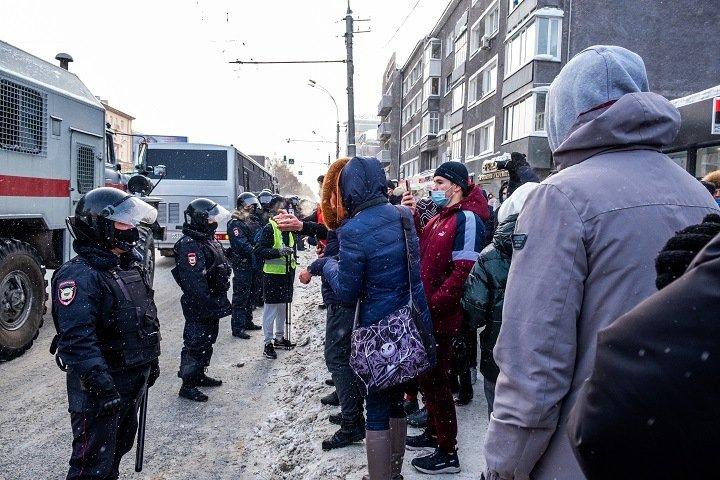 МВД по Новосибирской области засекретило число задержанных на митингах в поддержку Навального