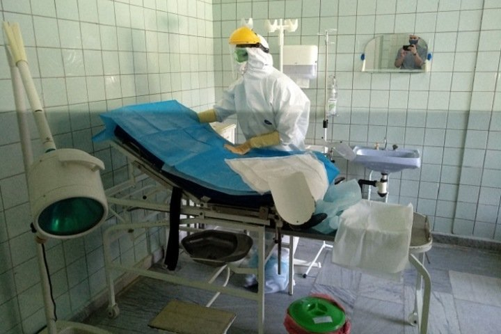 95 пациентов с COVID-19 остаются в реанимациях Новосибирской области