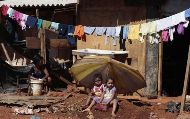 Отсутствие элементарного: как преодолеть бедность в современном мире