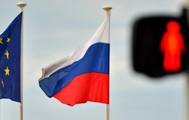 Европарламент призывает ввести новые санкции против России и отключить от SWIFT
