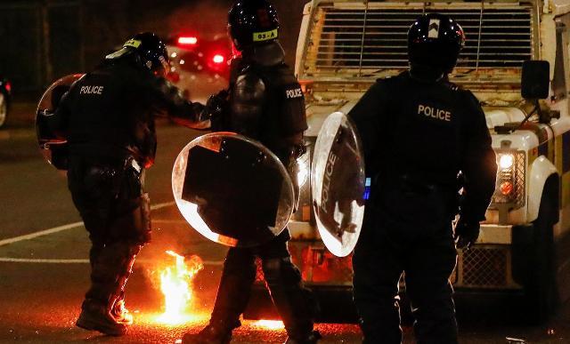 Непримиримая позиция: почему вспыхнули протесты в Северной Ирландии