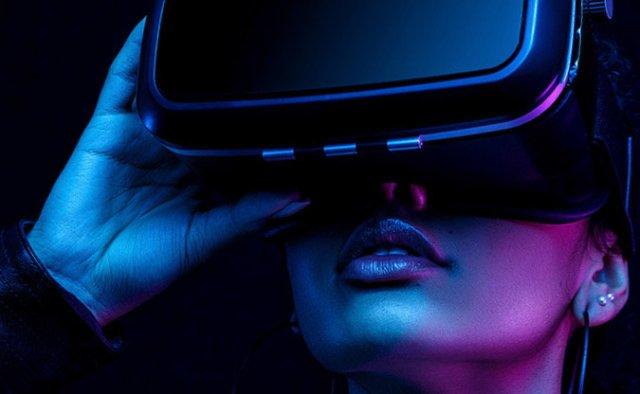 Apple в 2022 году запустит в продажу VR-шлем