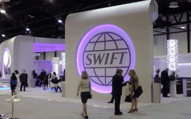«Отрезать Кремль»: что будет с Россией после отключения от SWIFT