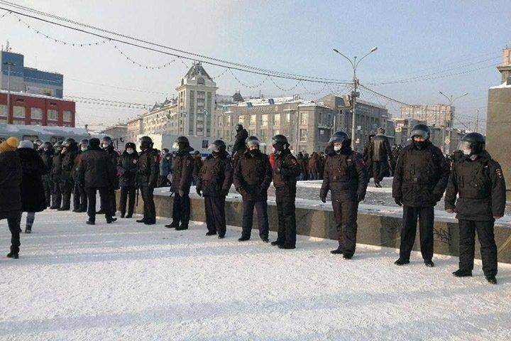 «Пошли на митинг — двойку получили»: как власти давят на сибиряков перед акцией 21 апреля