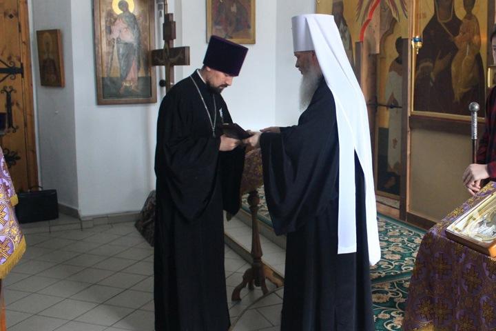 Бурятских священников наградили медалями за борьбу с COVID-19